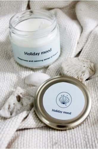 Holiday Mood Scented Candle