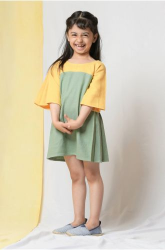 Chickpeas and Spinach Pleat Dress