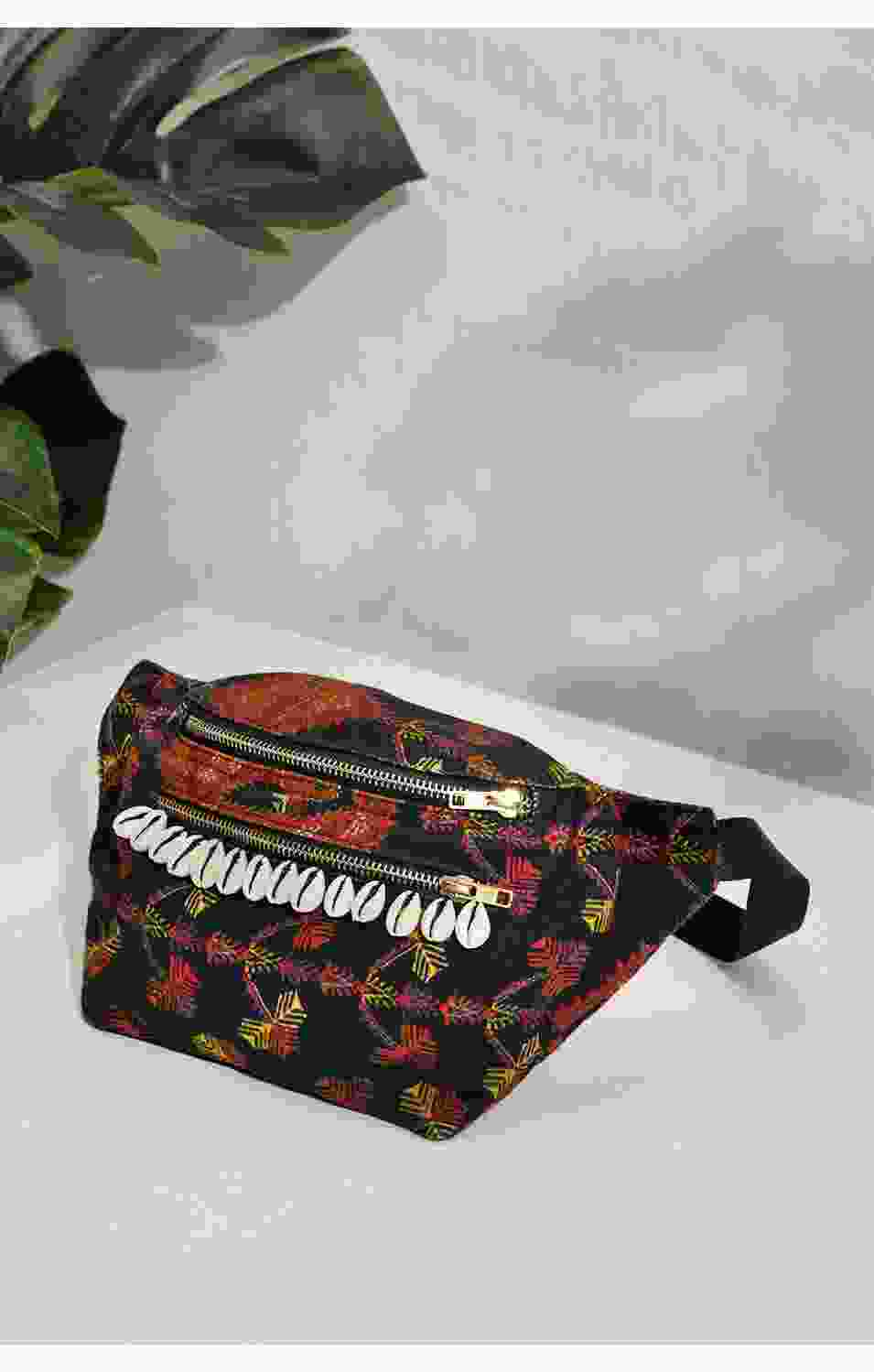 EAST LOVE FANNY PACK